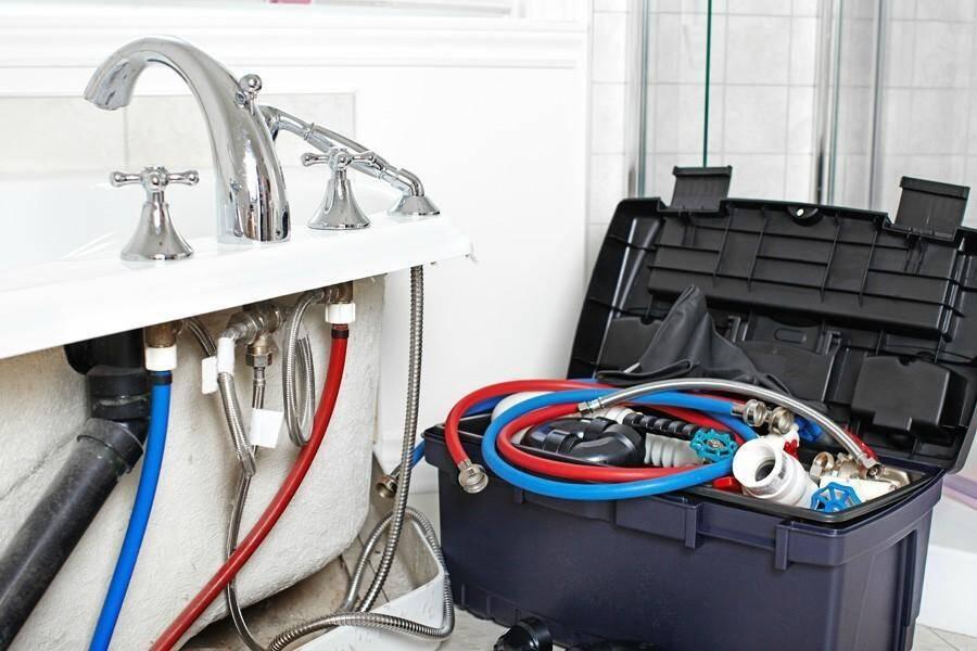 Votre plombier peut-il faire une estimation du coût de votre dépannage au téléphone?